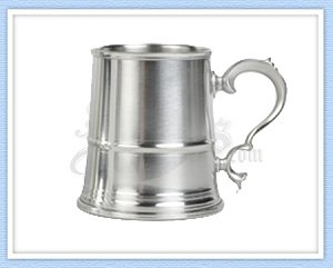 65 - English Tavern Pewter Tankard